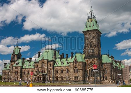 Centre Block Is The Main Building Of The Canadian Parliamentary Complex