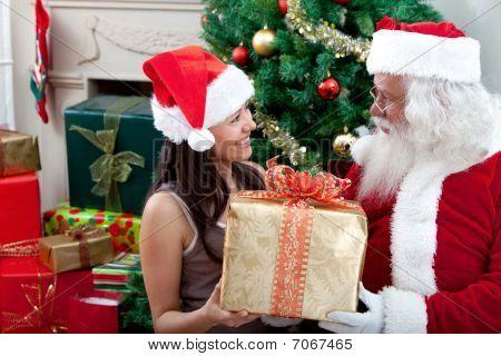 Dar un regalo de Papá Noel