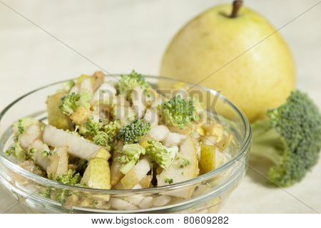 Fruit - Vegetable Salad Of Pears And Broccoli.