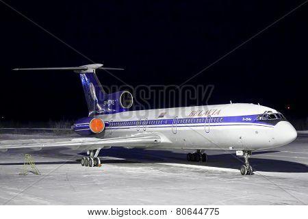 Belavia Tu-154M