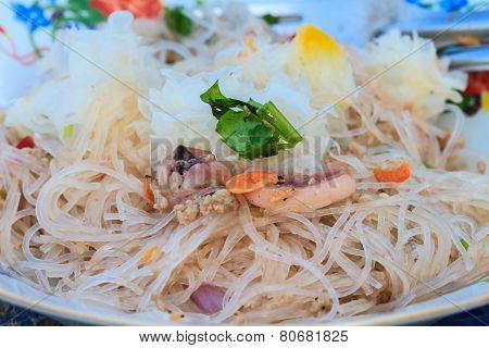 vermicelli and salad