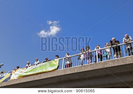 People Watch The 51St Bicycle Race Rund Um Den Finanzplatz Eschborn-frankfurt