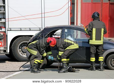 Practice Of Firefighters And Simulation Of Traffic Accident