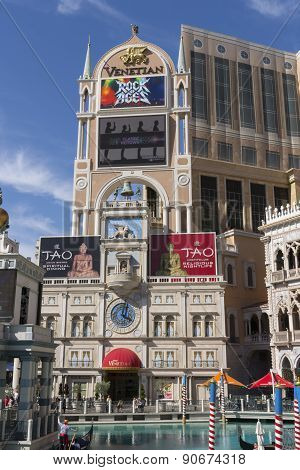 The Venetian hotel and sign.
