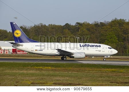 Frankfurt International Airport - Boeing 737 Of Lufthansa Takes Off