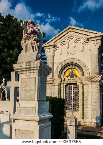 Tomb in Cementerio de Los Ilustres, El Salvador