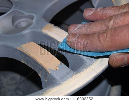 Sanding Of Putty On Car Wheels