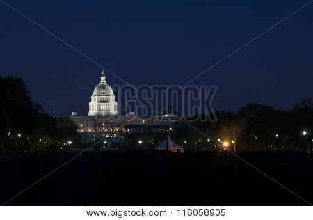 Night wiew of the US Capitol in Washington D.C.
