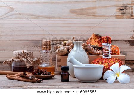 Natural Spa Ingredients Herbal Compress Ball And Herbal  Ingredients  For Alternative Medicine And R