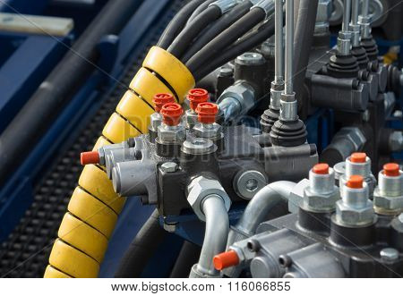 Hydraulic Tubes, Fittings And Levers Of Lifting Mechanism