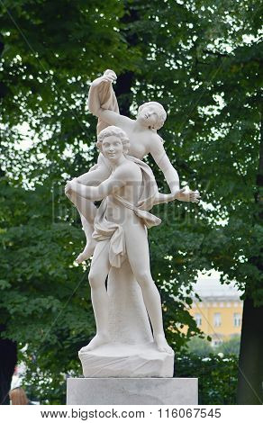 Sculpture The Abduction of Sabine women.