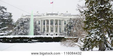 The White House in snow - Washington DC, USA