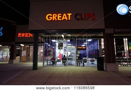 Great Clips During the Night