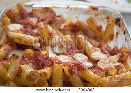 Kaked Rigatoni Pasta With Mozzarella And Tomato Sauce