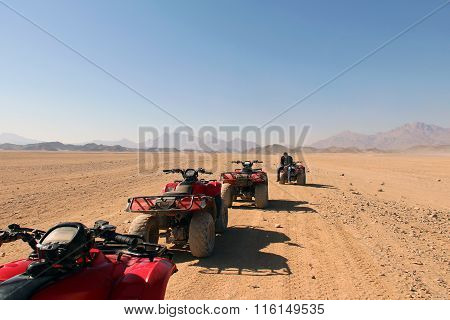 Pleasure Atvs In The Egyptian Desert