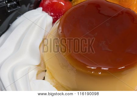 Ice Cream Mix Pudding With Fruit Delicious.