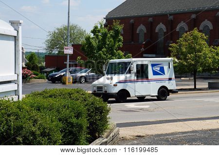 Mail Truck