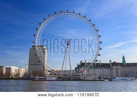 London Eye is the tallest Ferris wheel in Europe