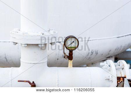 manometer for DI Water control in factory