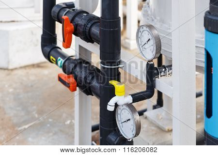 Photo manometer for DI Water control in factory