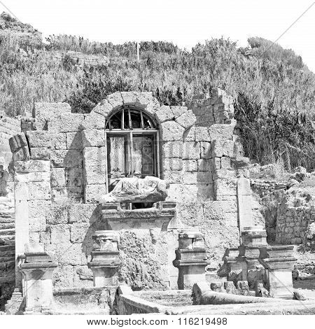 Stone  In  Perge Old Construction Asia Turkey The Column  And  Roman Temple