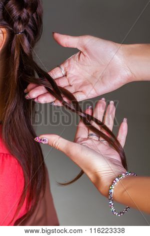 Weaving braid in salon