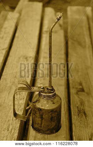 Long stemmed vintage oil can(Sepia)