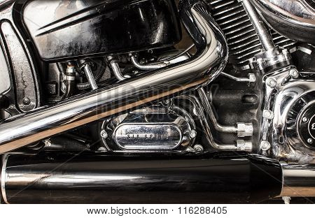 Motorcycle engin and exhaust pipes