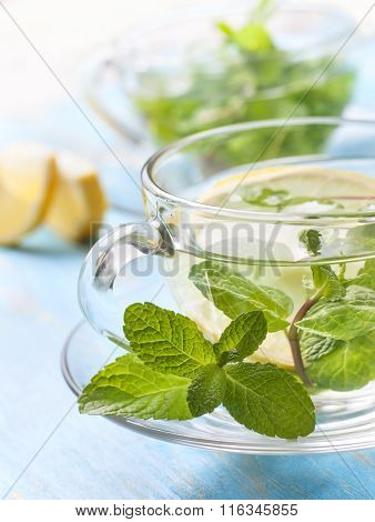 Tea With Fresh Mint And Lemon