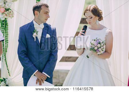 Arch wedding ceremony