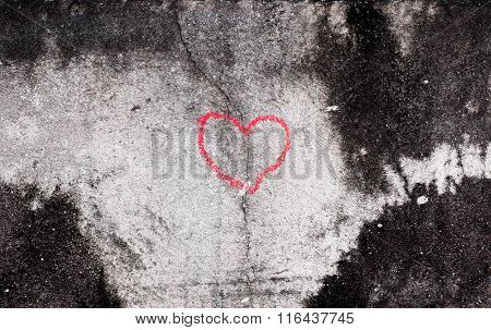 Crack In Red Heart Sharp By Hand Write Of Old White Concrete Wall