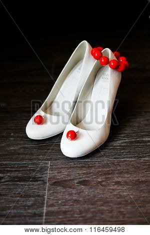 Bridesmaid Shoes White With Red Earrings And Bracelet