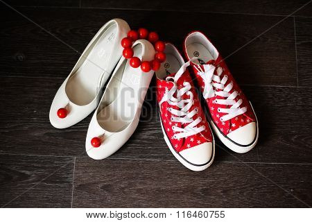 Bridesmaid Shoes White With Red Earrings