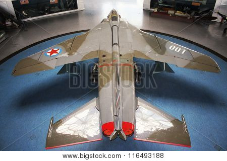 Belgrade, Serbia-mart 16, 2015: Yugoslav Eagle Plane Im Museum Yurom J-22H Orao (eagle) Aeronautical