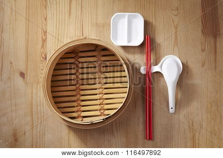 bamboo steamer with chopstick set