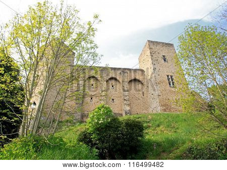 castle Madeleine, first vision at the top of the climb (Chevreuse Valley, France)