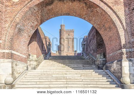 Karnan Through The Archway