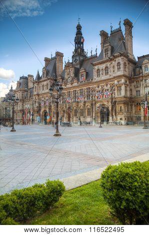 Paris City Hall (hotel De Ville)