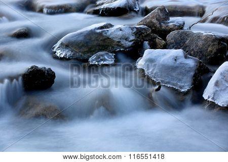 scene win winter mountain river