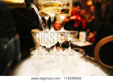mountain glasses of champagne