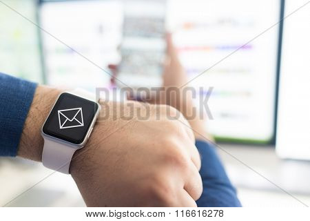 Using smart watch for live talk