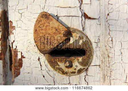 Keyhole in the old door