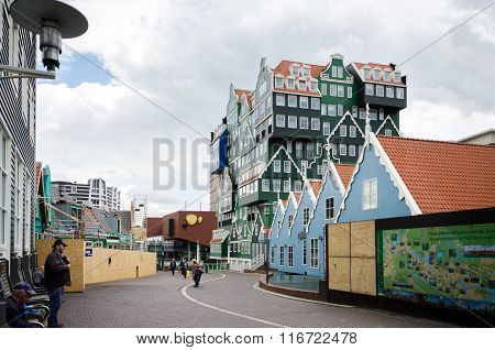 Zaandam, Netherlands - May 5, 2015: People Walk On A Pedestrian Zone In Zaandam, Netherlands