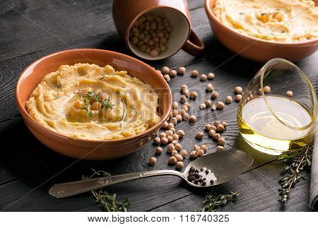 Traditional Oriental Hummus