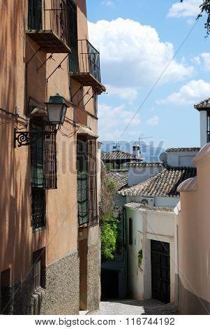 Narrow street, Granada.