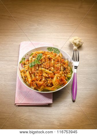 pasta with cauliflower fresh tomatoes and minced black olives