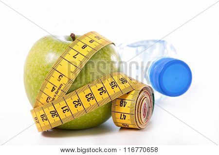 apple and measure tape