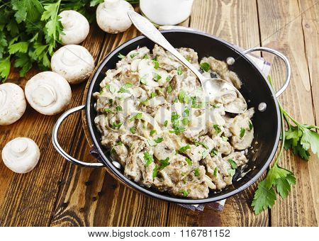 Liver With Mushrooms In Sour Cream