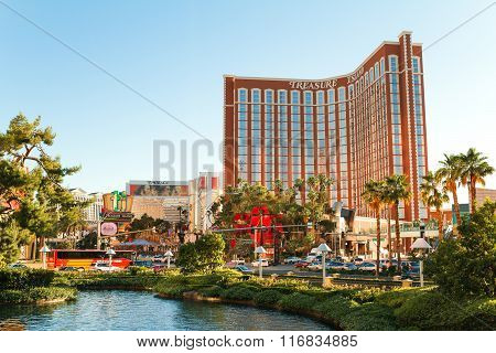 Las Vegas - June 17, 2013: View On Treasure Island Hotel On The Strip