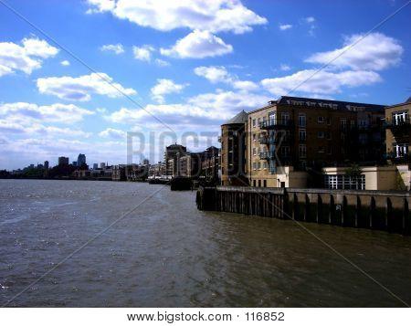 London 483